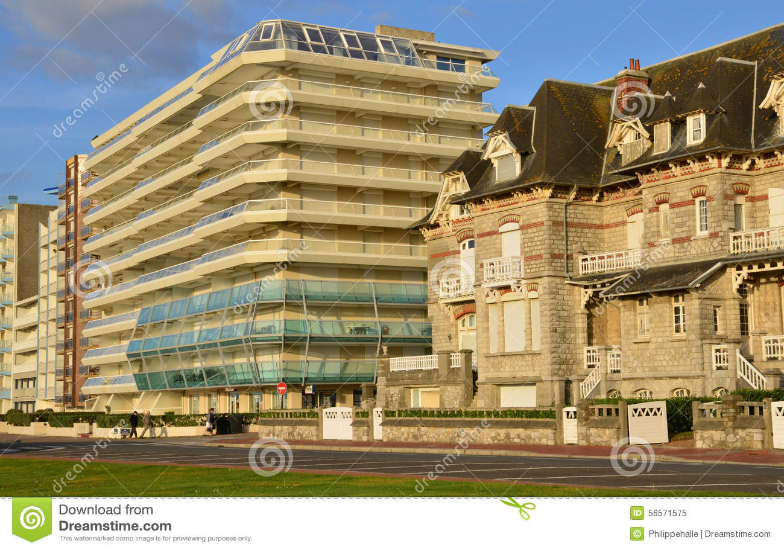 Download Γαλλία, γραφική πόλη LE Touquet στο Nord-Pas-de-Calais Εκδοτική εικόνα - εικόνα από touristy, ιστορικός: 56571575
