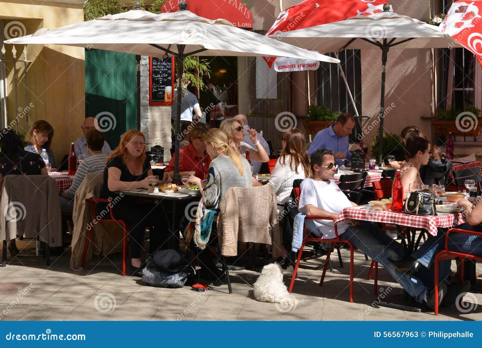 Download Γαλλία, η γραφική πόλη Αγίου Ζερμαίν EN Laye Εκδοτική Στοκ Εικόνες - εικόνα από πόλη, γαλλία: 56567963