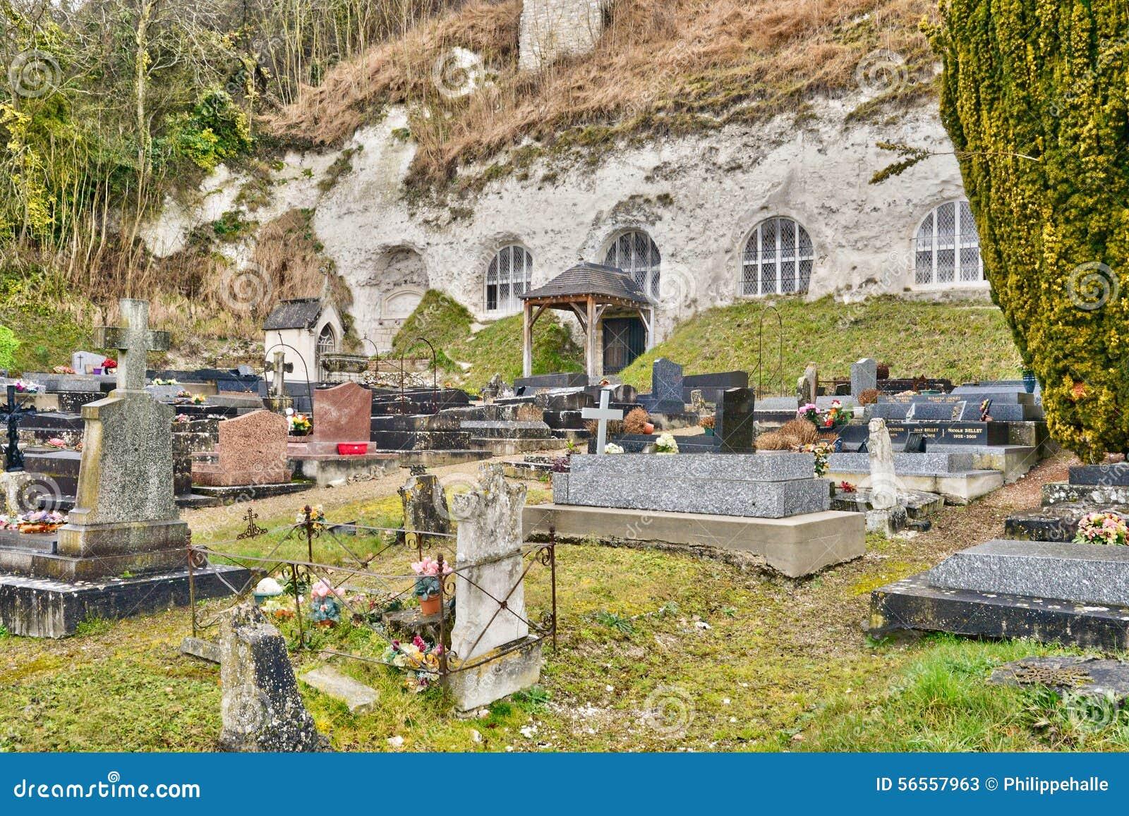 Download Γαλλία, το γραφικό χωριό του νησιού Haute Στοκ Εικόνα - εικόνα από εκκλησία, ταφόπετρα: 56557963