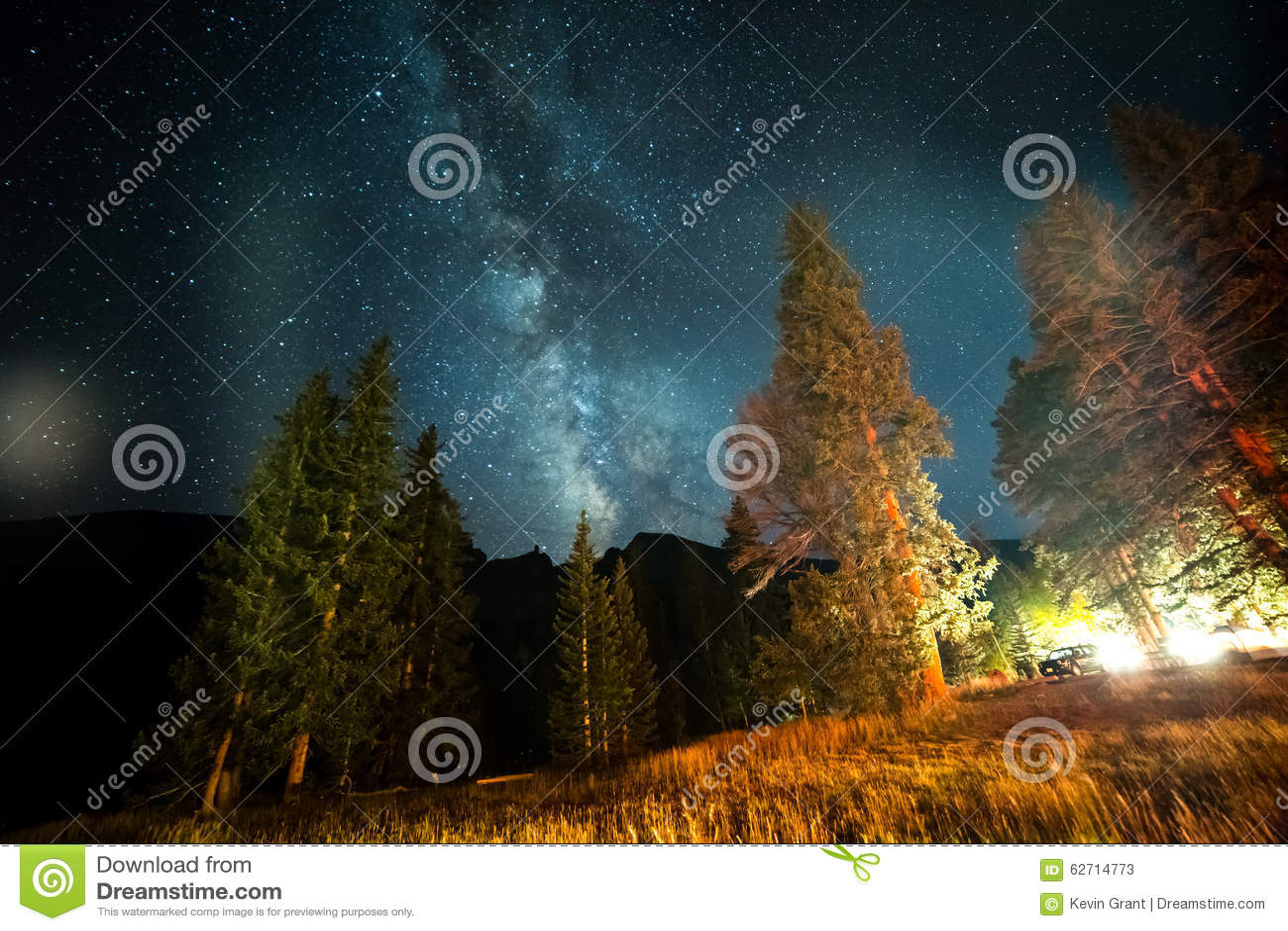 Γαλακτώδης γαλαξίας τρόπων πέρα από Campground