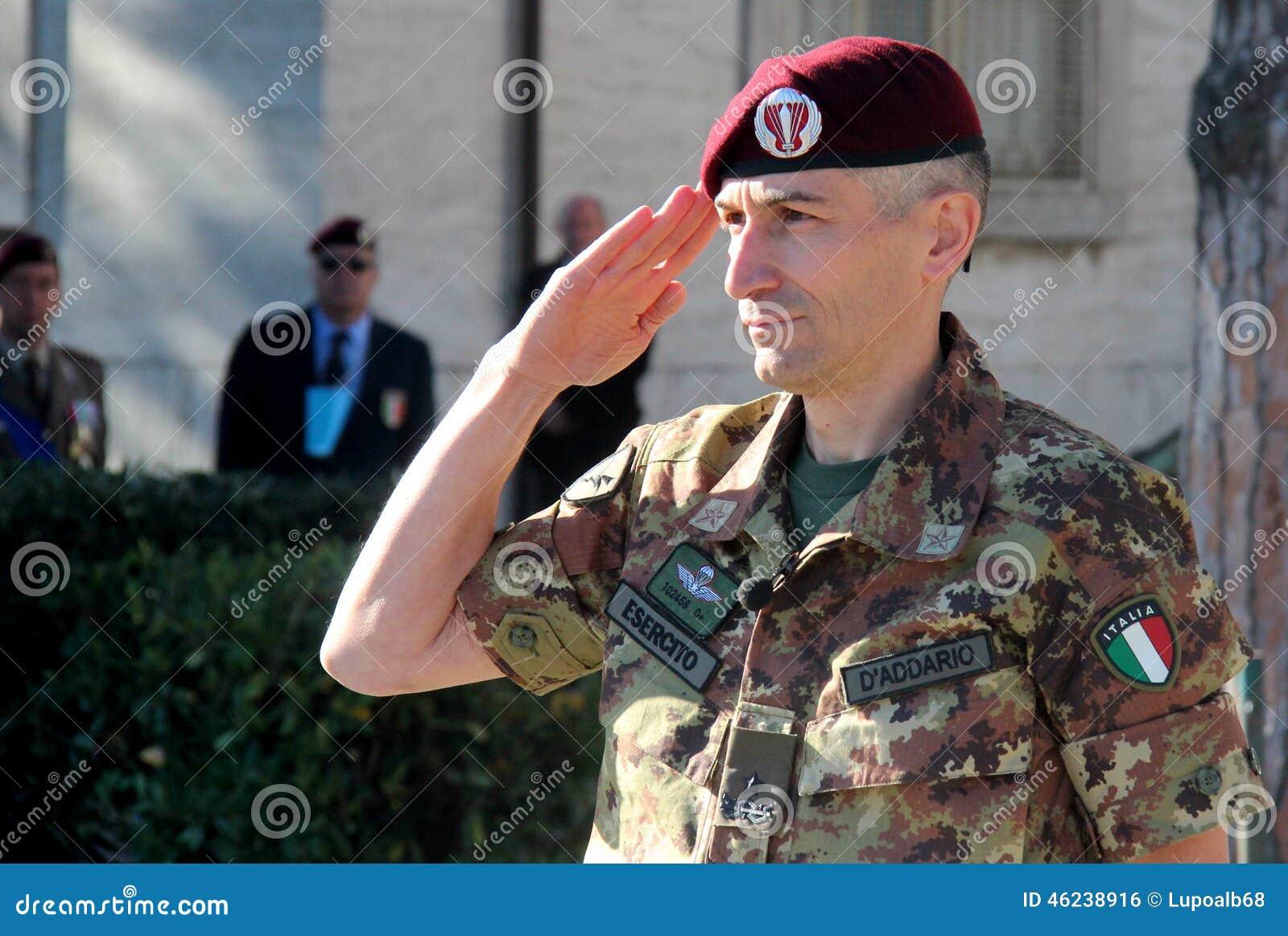 Γενικός διοικητής του Lorenzo D addario της ταξιαρχίας αλεξίπτωτων folgore