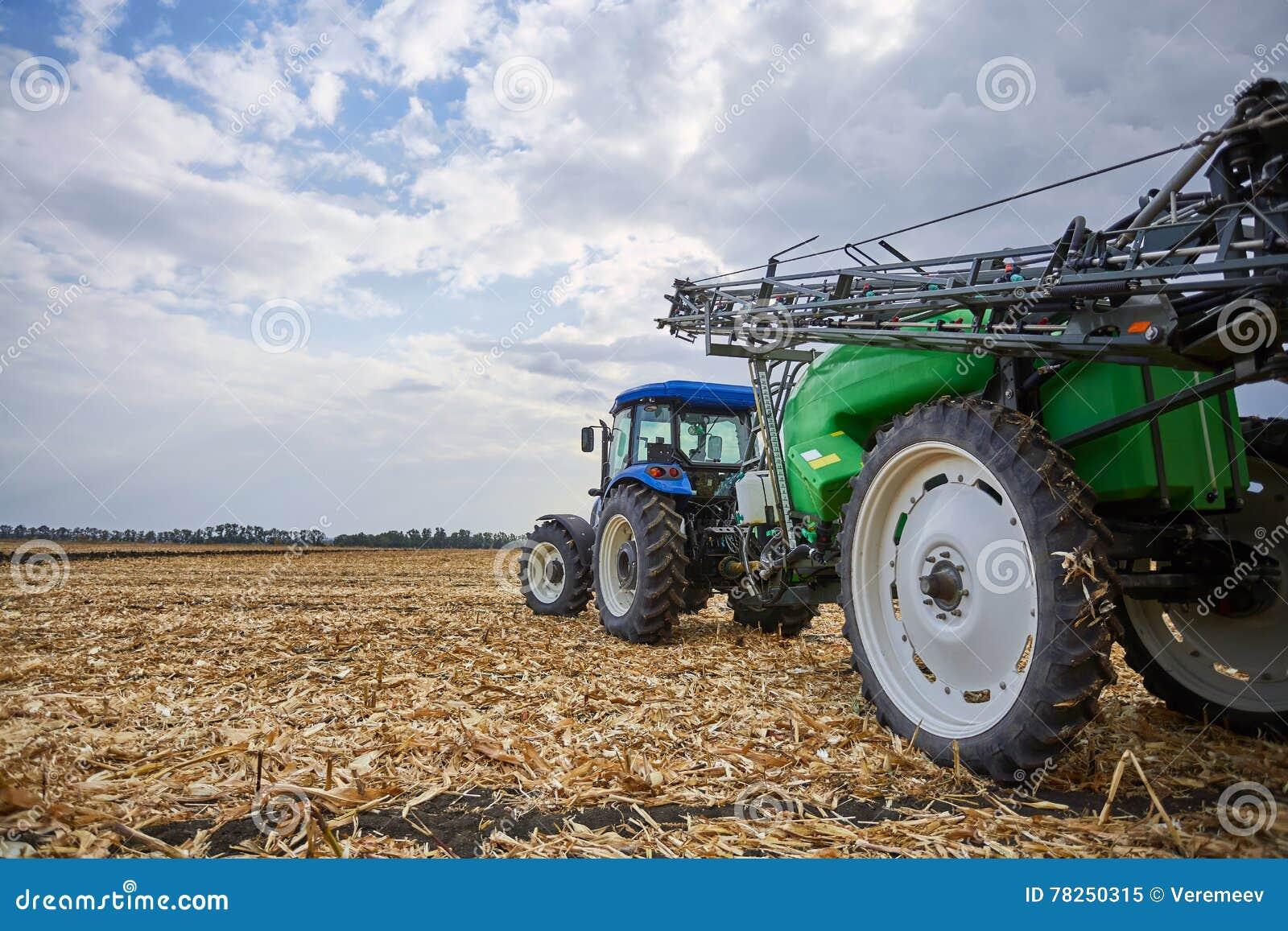 Γεωργικά μηχανήματα στον τομέα