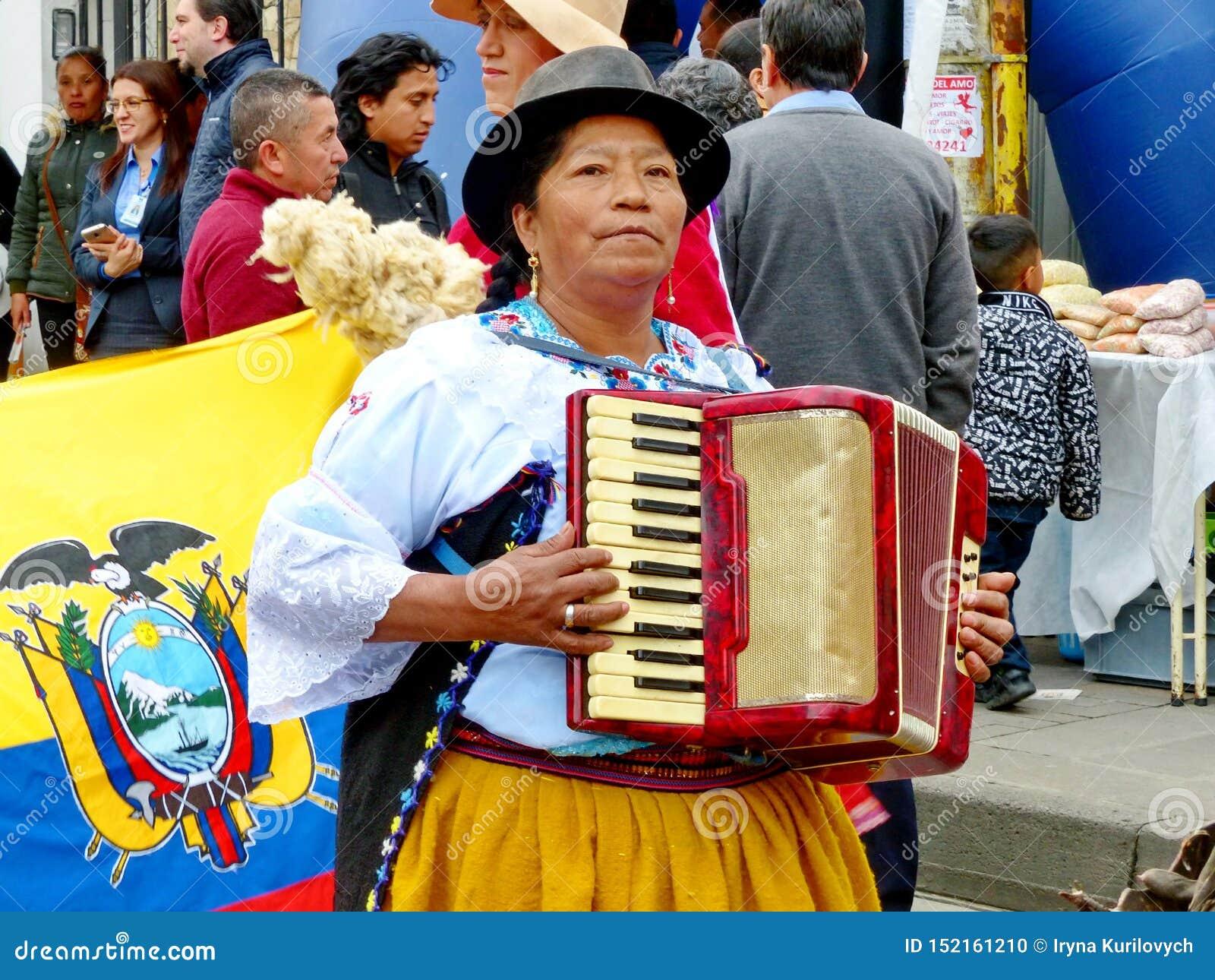 Γηγενή παιχνίδια γυναικών στο ακκορντέον, Ισημερινός