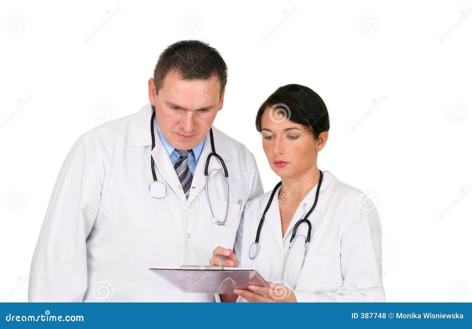 γιατροί δύο