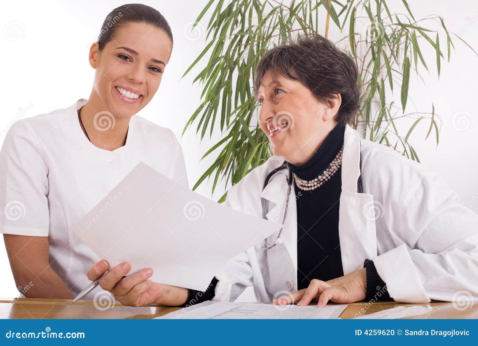 Γιατρός και νοσοκόμα