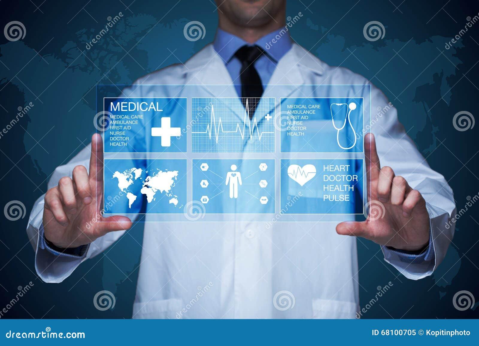 Γιατρός που εργάζεται σε μια εικονική οθόνη Ιατρική έννοια τεχνολογίας σφυγμός