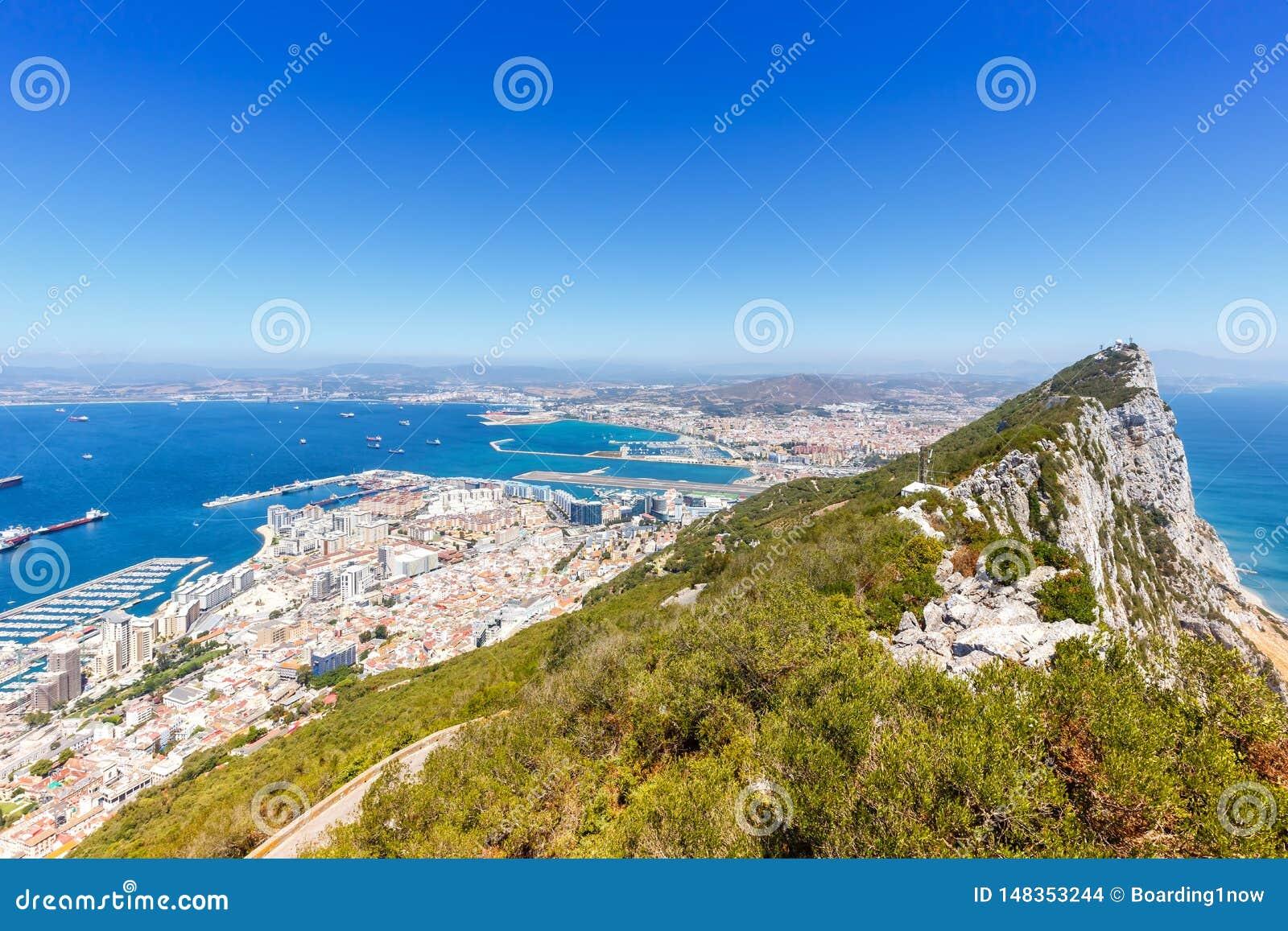 Γιβραλτάρ η διαστημική πόλης επισκόπηση ταξιδιού Μεσογείων τοπίων αντιγράφων βράχου copyspace