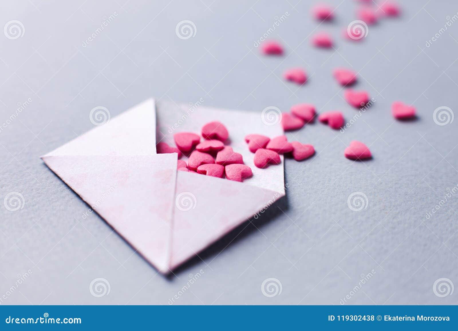Γιορτάστε στις 14 Φεβρουαρίου με τη χειροποίητη κάρτα Στείλετε τις κάρτες στους ανθρώπους που αγαπάτε Χαιρετισμός ημέρας βαλεντίν