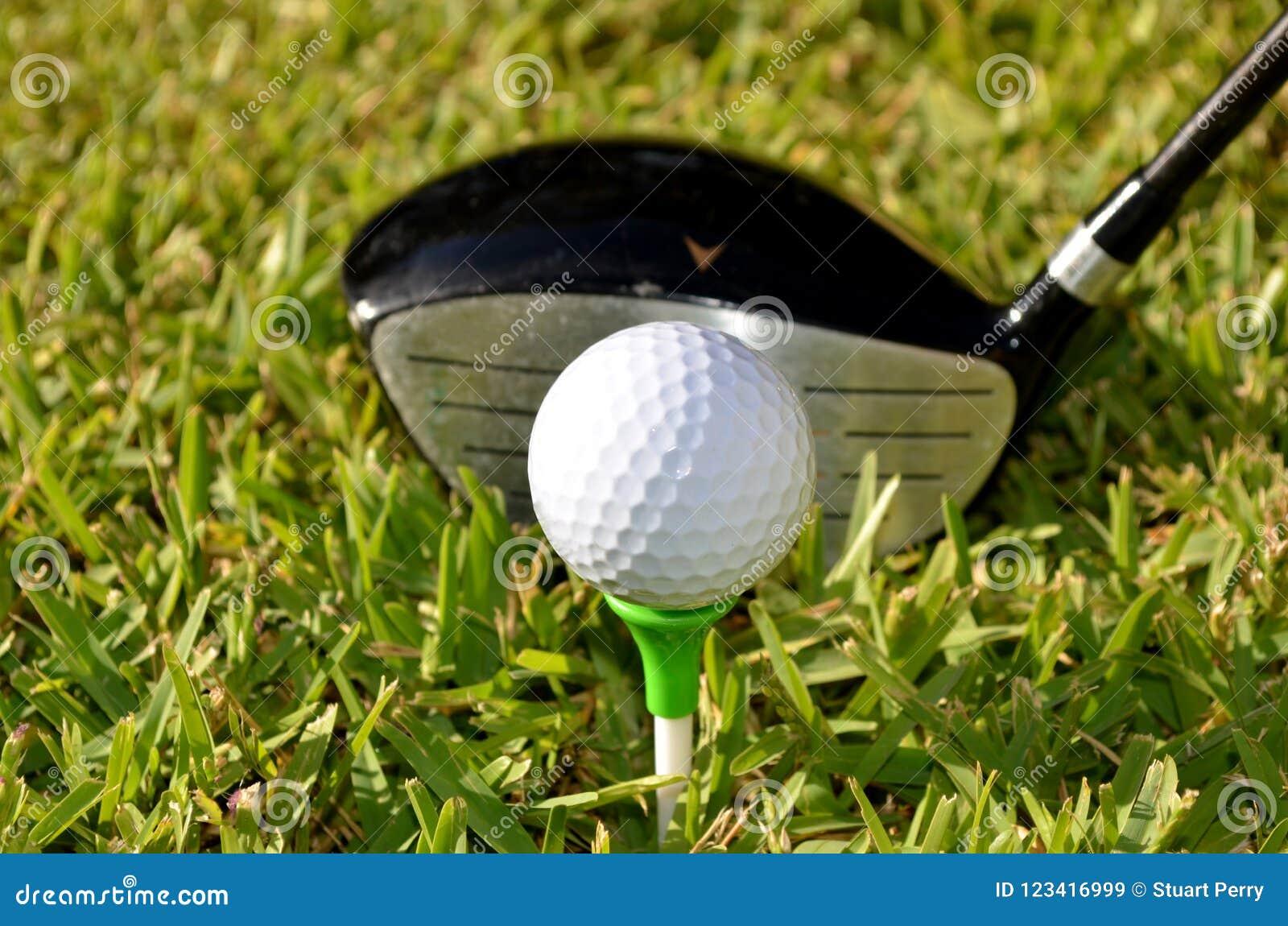 Γκολφ κλαμπ και σφαίρα γκολφ