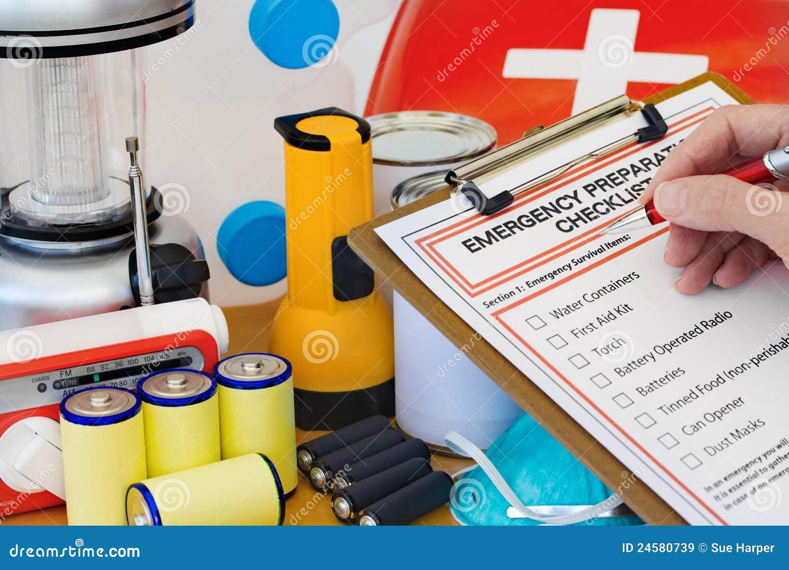 γράψιμο προετοιμασιών καταλόγων χεριών εξοπλισμού έκτακτης ανάγκης