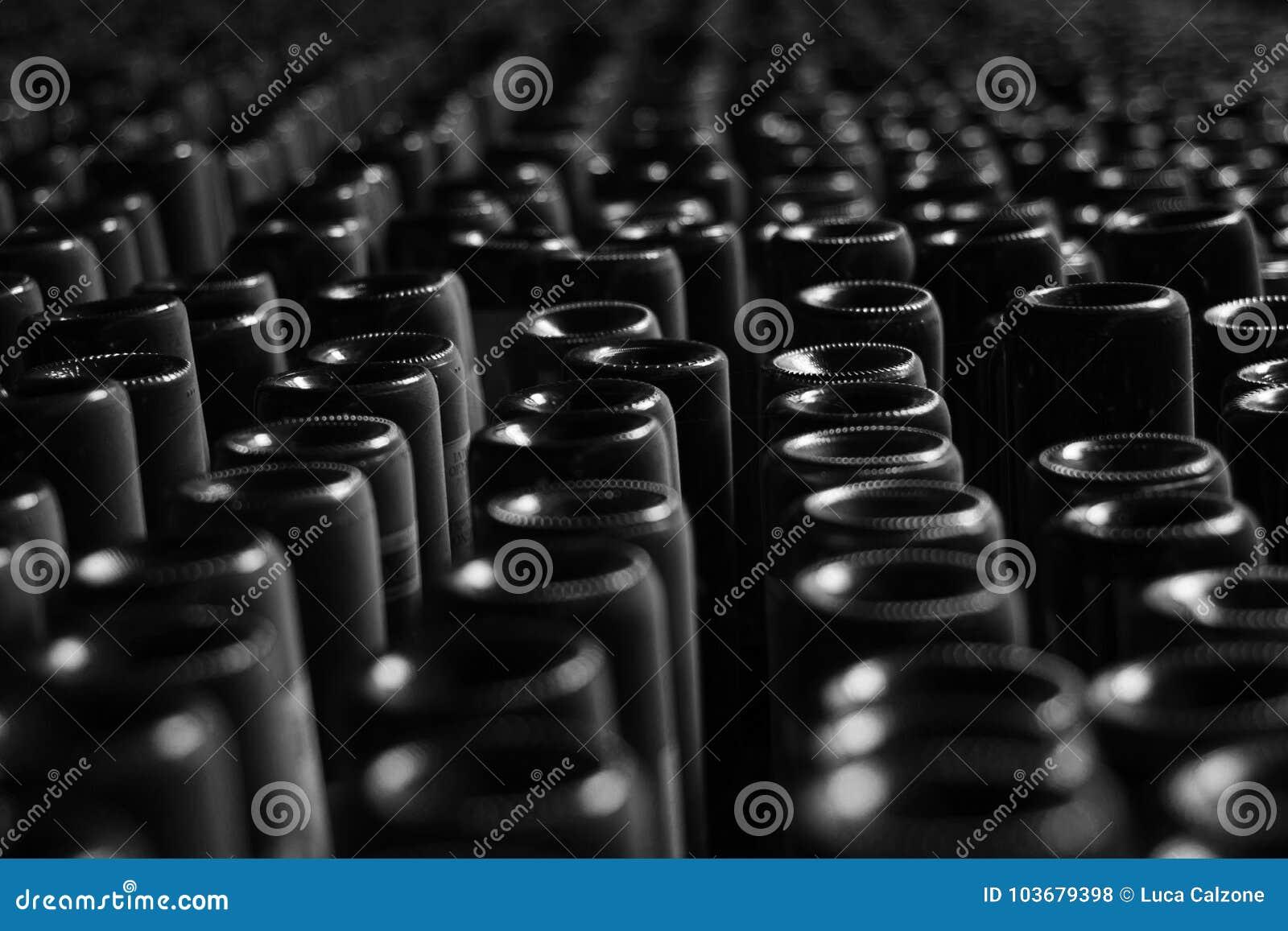 Γραπτή εικόνα των μπουκαλιών κρασιού