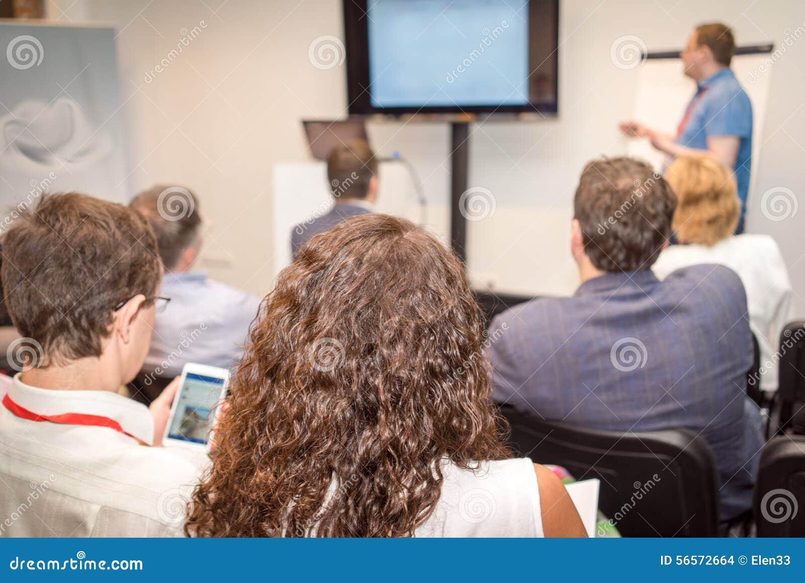 Download γραφείο διασκέψεων επιχειρησιακών εδρών που απομονώνεται πέρα από το λευκό Εκδοτική Στοκ Εικόνα - εικόνα από εκπαίδευση, διάσκεψη: 56572664