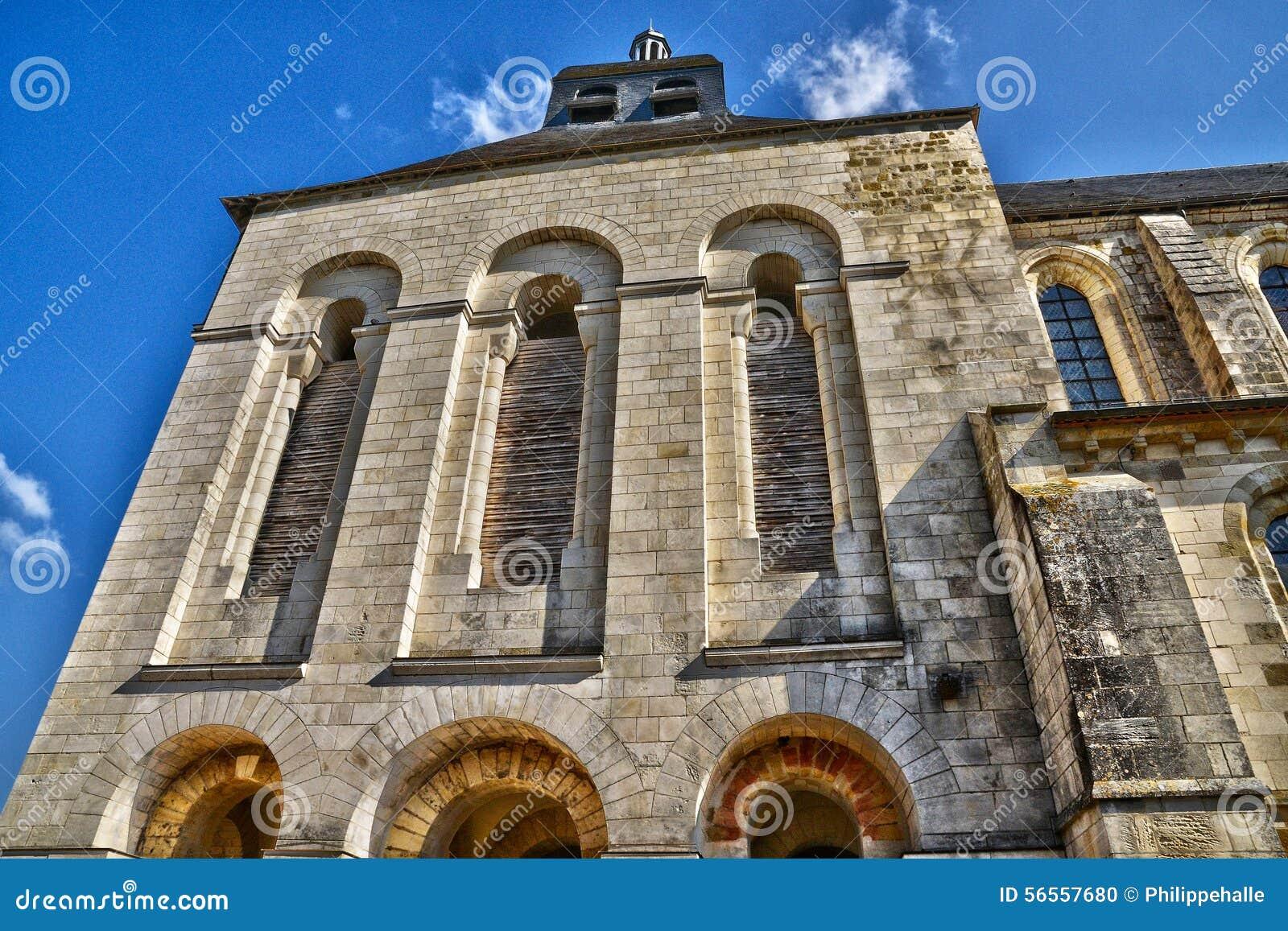Download Γραφική πόλη Αγίου Benoit Sur Loire στο Val-de-Loire Στοκ Εικόνες - εικόνα από ευρώπη, romanesque: 56557680