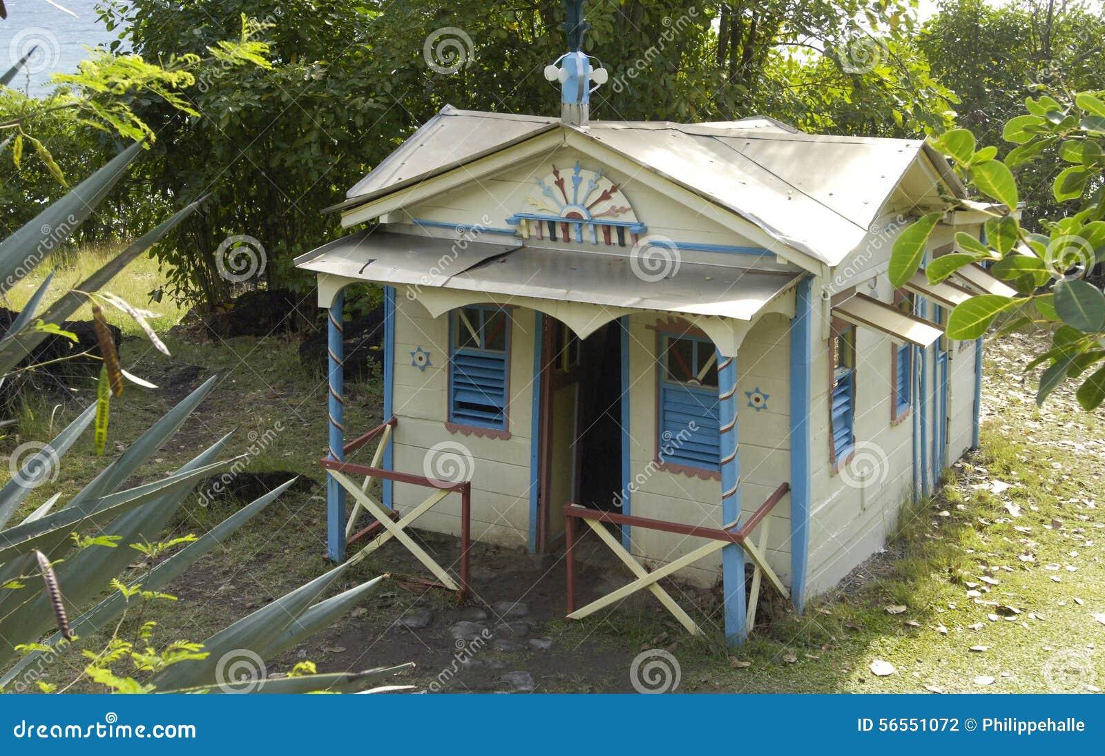 Download Γραφικός καταδικάστε το σπίτι σε Anse Cafard στη Μαρτινίκα Εκδοτική Φωτογραφία - εικόνα από γραφικός, γαλλία: 56551072