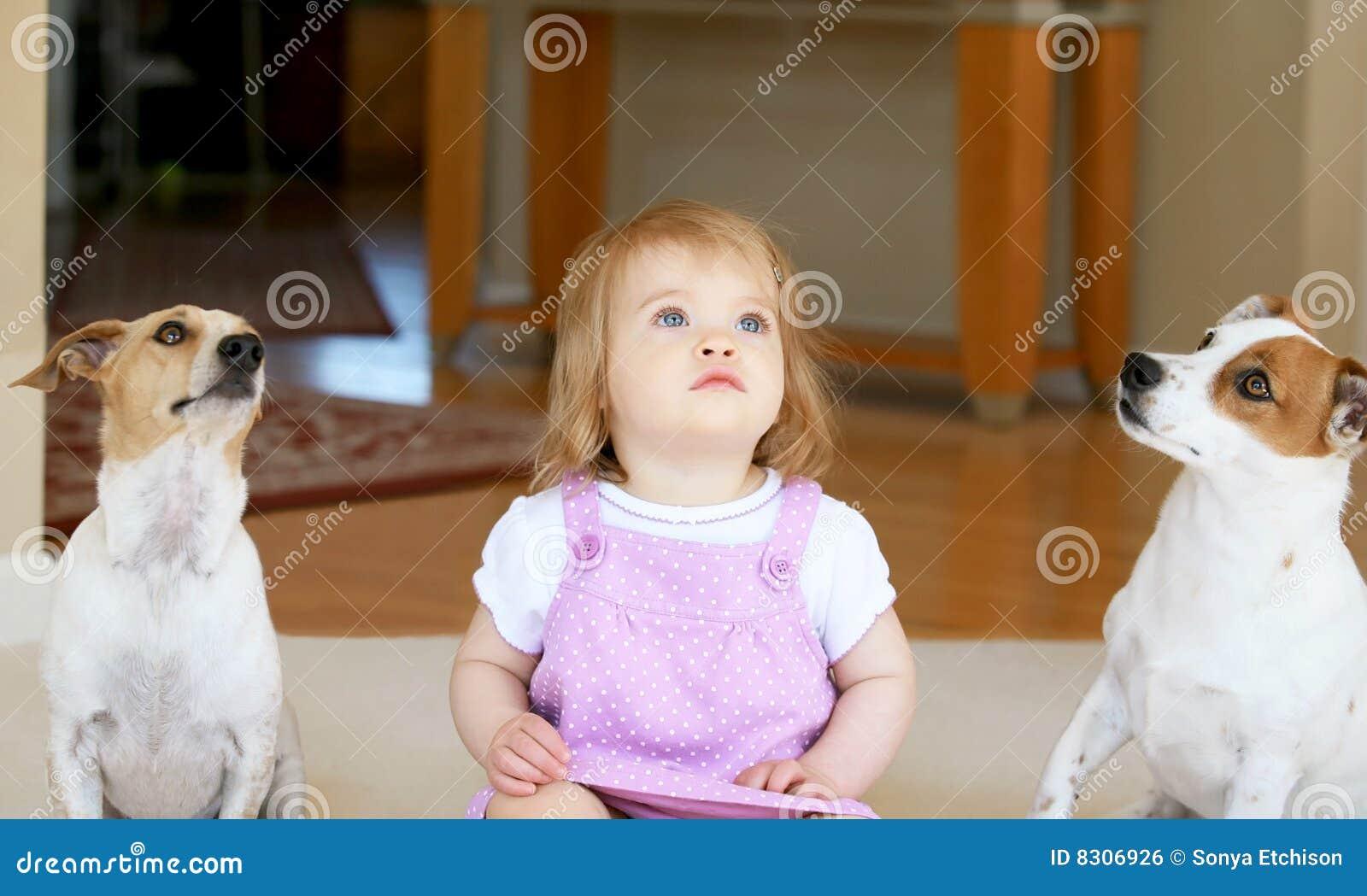 γρύλος κοριτσιών terriors δύο τ&omicron