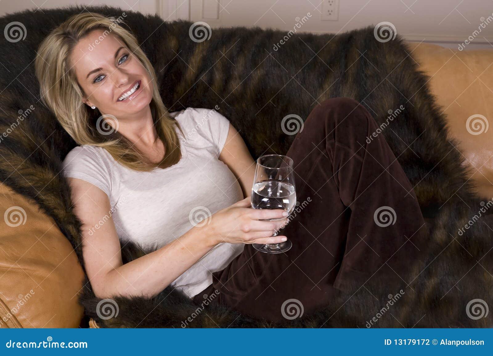 γυαλί καναπέδων ευτυχές