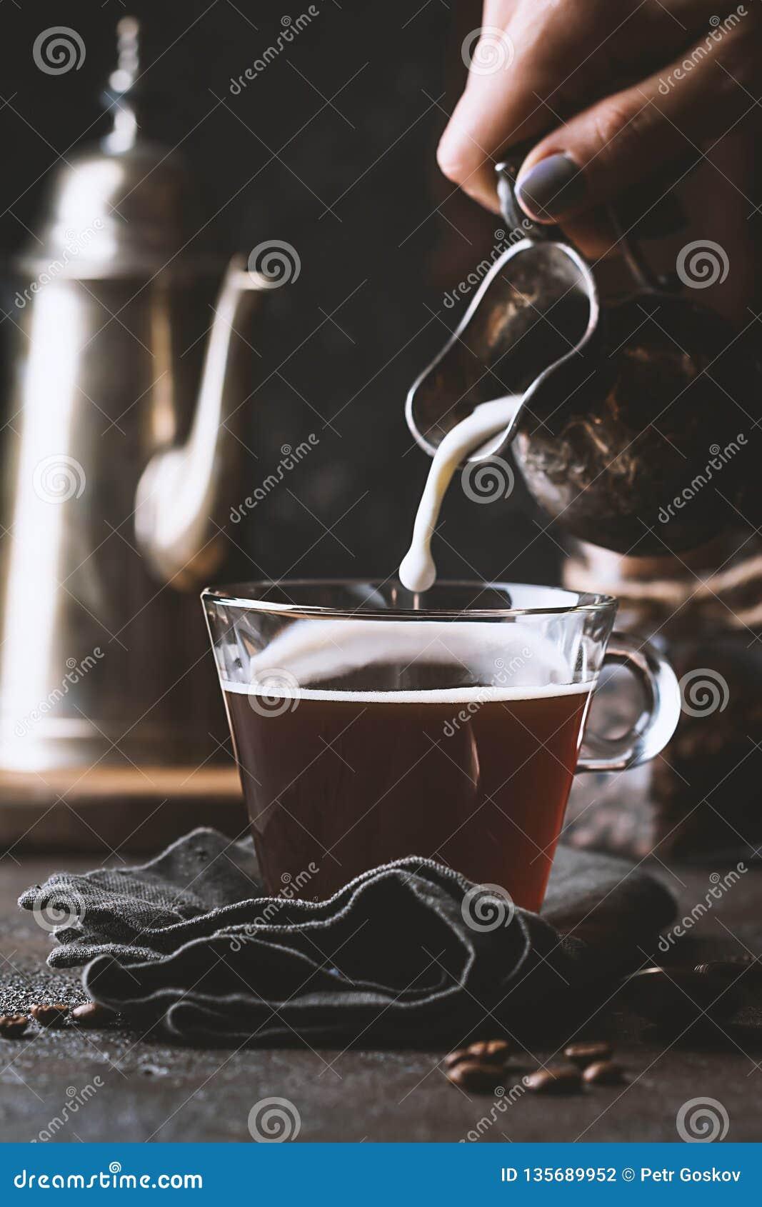 γυαλί φλυτζανιών καφέ