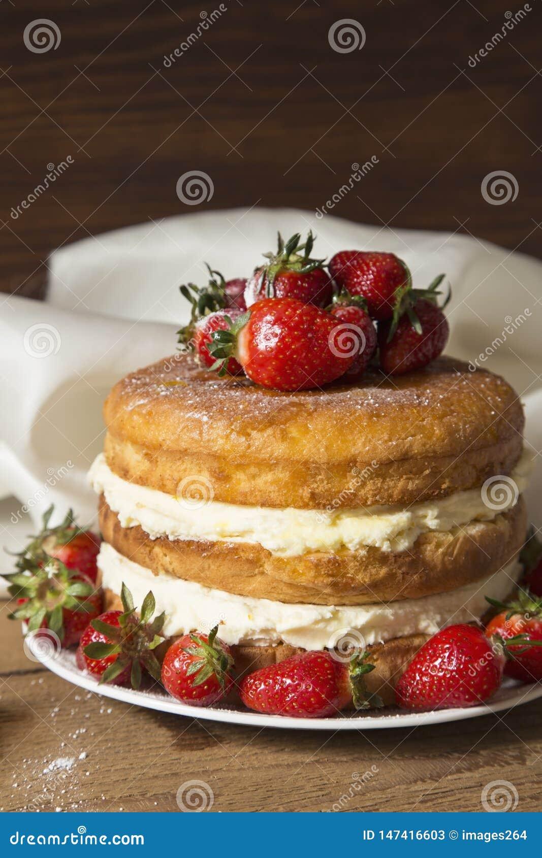 Γυμνό κέικ