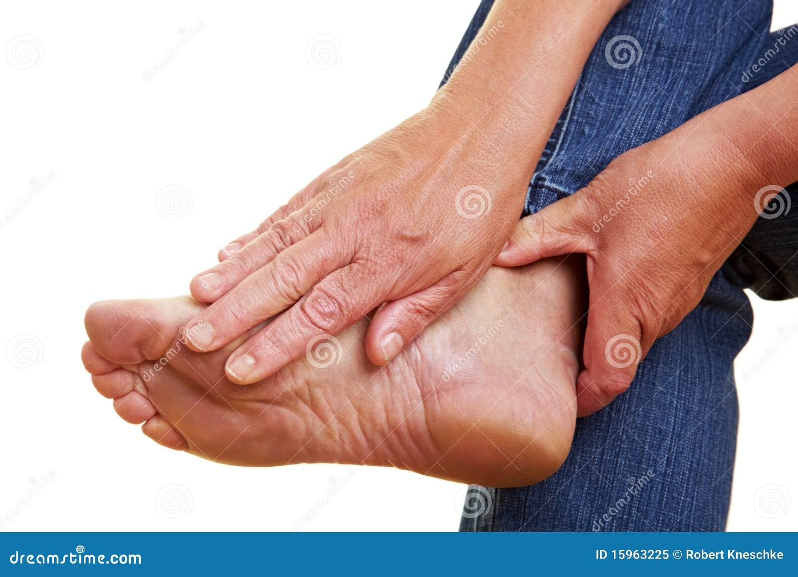 γυμνό να αγγίξει χεριών ποδ