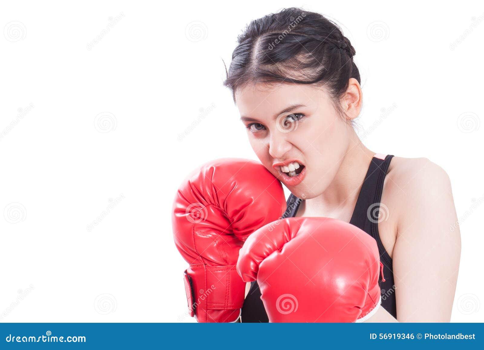 Γυναίκα ικανότητας με τα κόκκινα εγκιβωτίζοντας γάντια