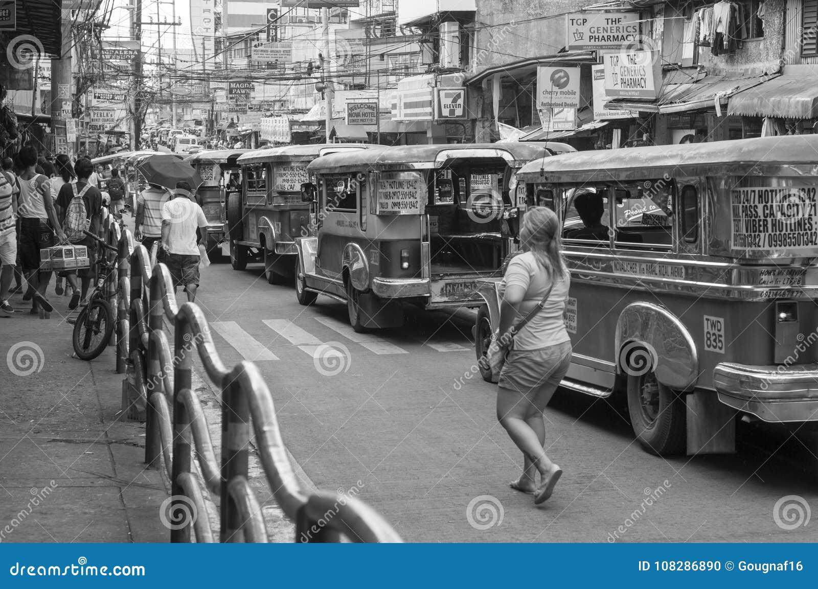 Γυναίκα και Jeepneys σε Quezon
