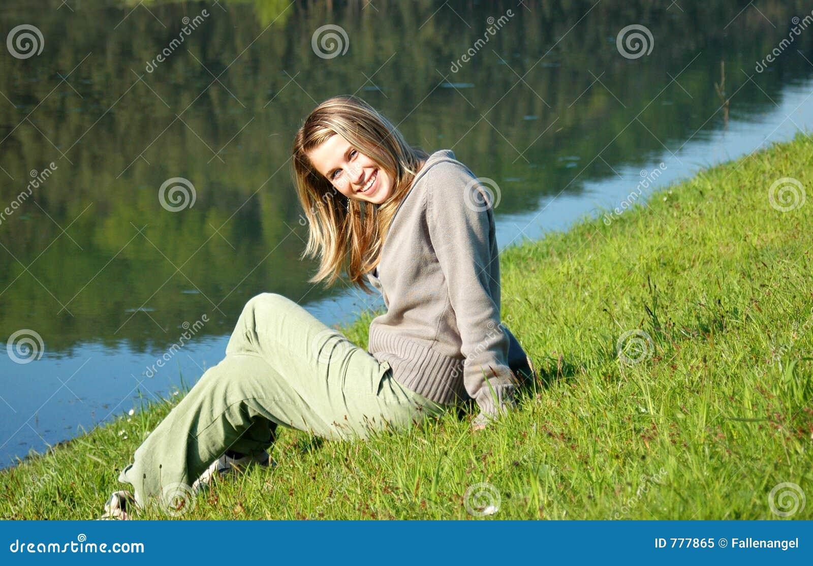 γυναίκα λιμνών ακρών