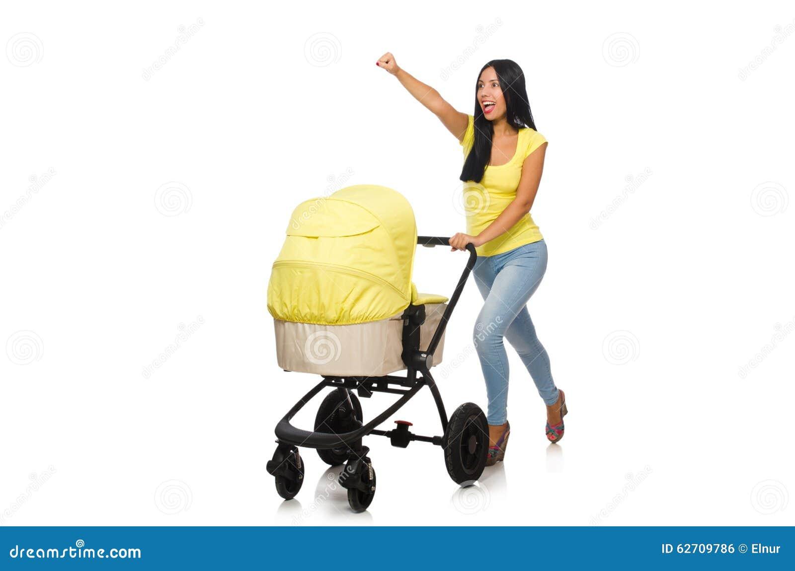 Γυναίκα με το μωρό και καροτσάκι που απομονώνεται στο λευκό