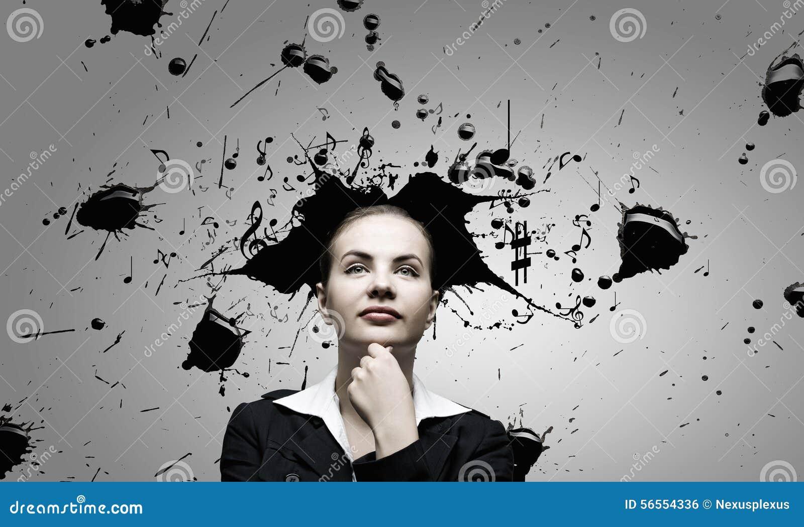 Download Γυναίκα με το χρωματισμένο κεφάλι Στοκ Εικόνες - εικόνα από γυναίκα, καλλιτεχνικό: 56554336