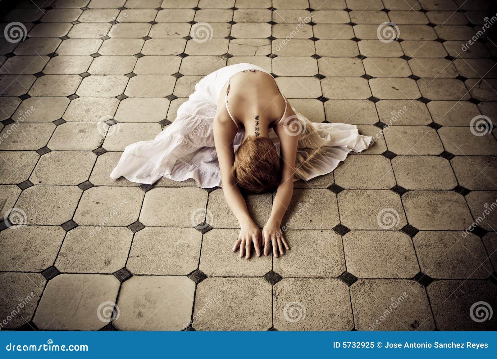 γυναίκα πατωμάτων