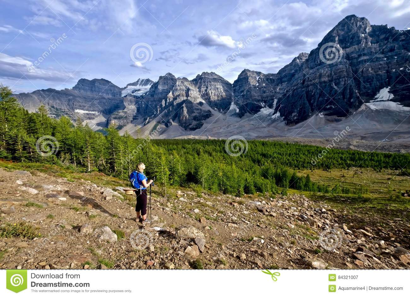 Γυναίκα που στα δύσκολα βουνά