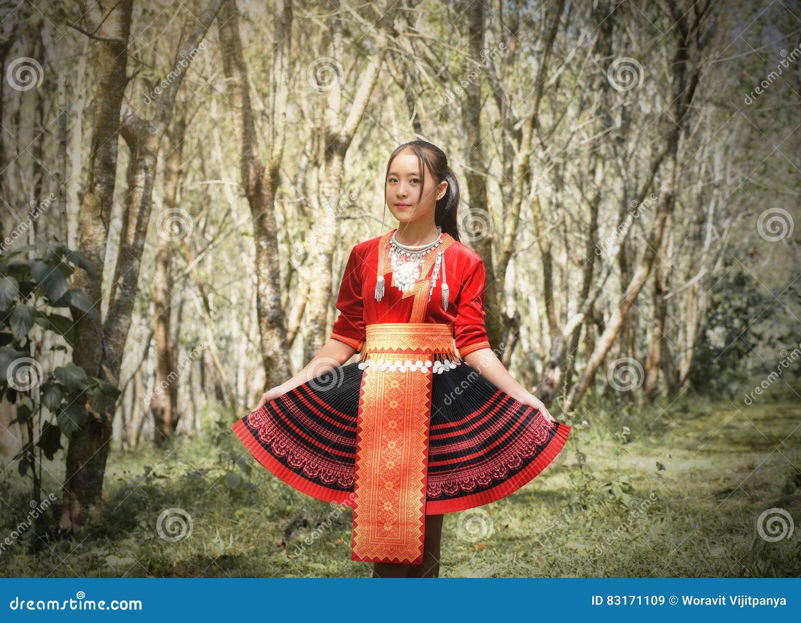 Γυναίκα φυλών λόφων Hmong