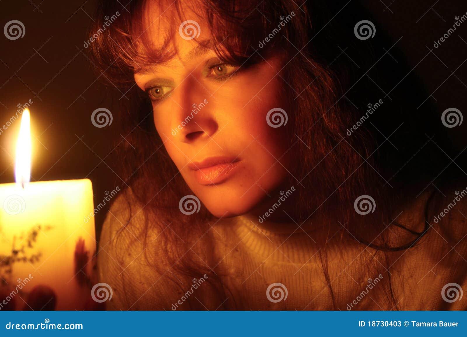 γυναίκα φωτός ιστιοφόρο&upsilo