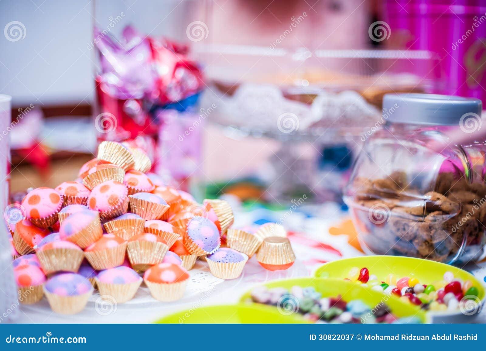 Γλυκά και πρόχειρα φαγητά