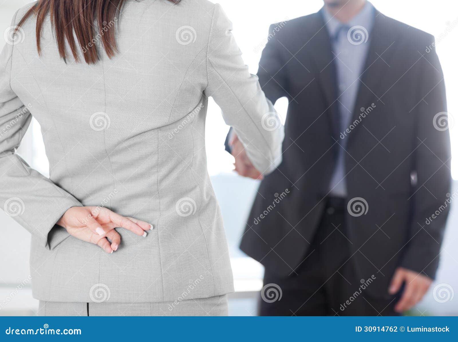 Δάχτυλα που διασχίζονται
