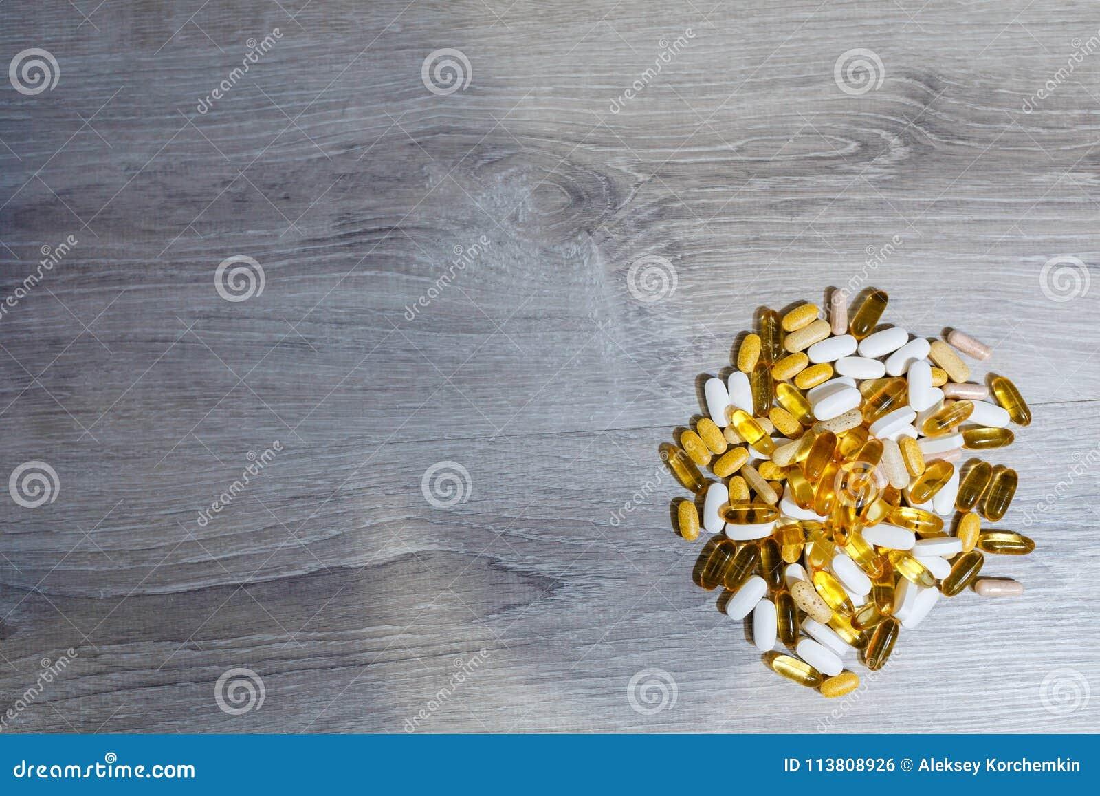 Δέσμη ωμέγα 3 ταμπλετών και καψών, carnitine, της κρεατίνης, των παχιών καυστήρων, του ενισχυτή BCAA ή τεστοστερόνης Αθλητικές ια