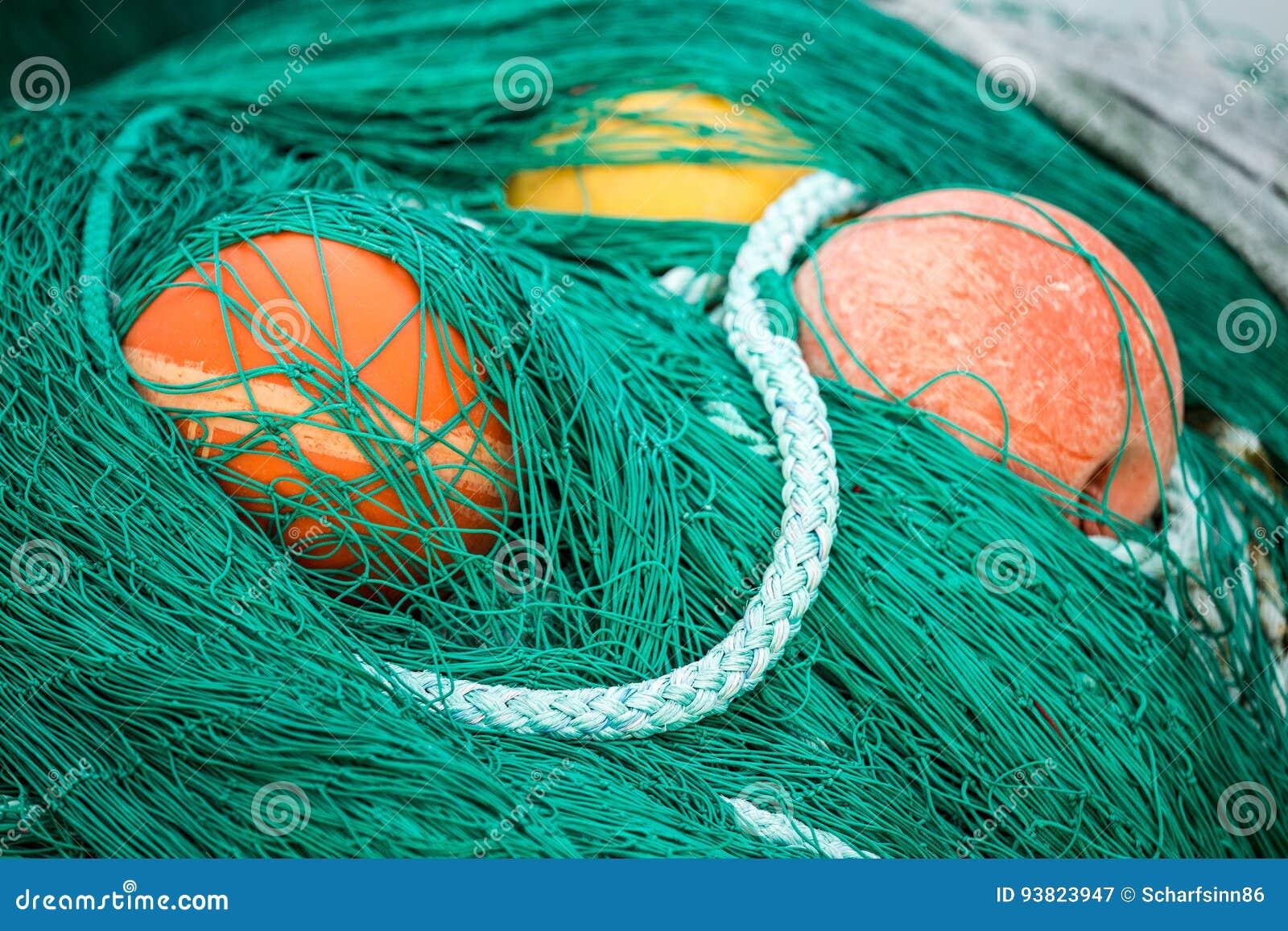 Δίχτια του ψαρέματος και επιπλέοντα σώματα