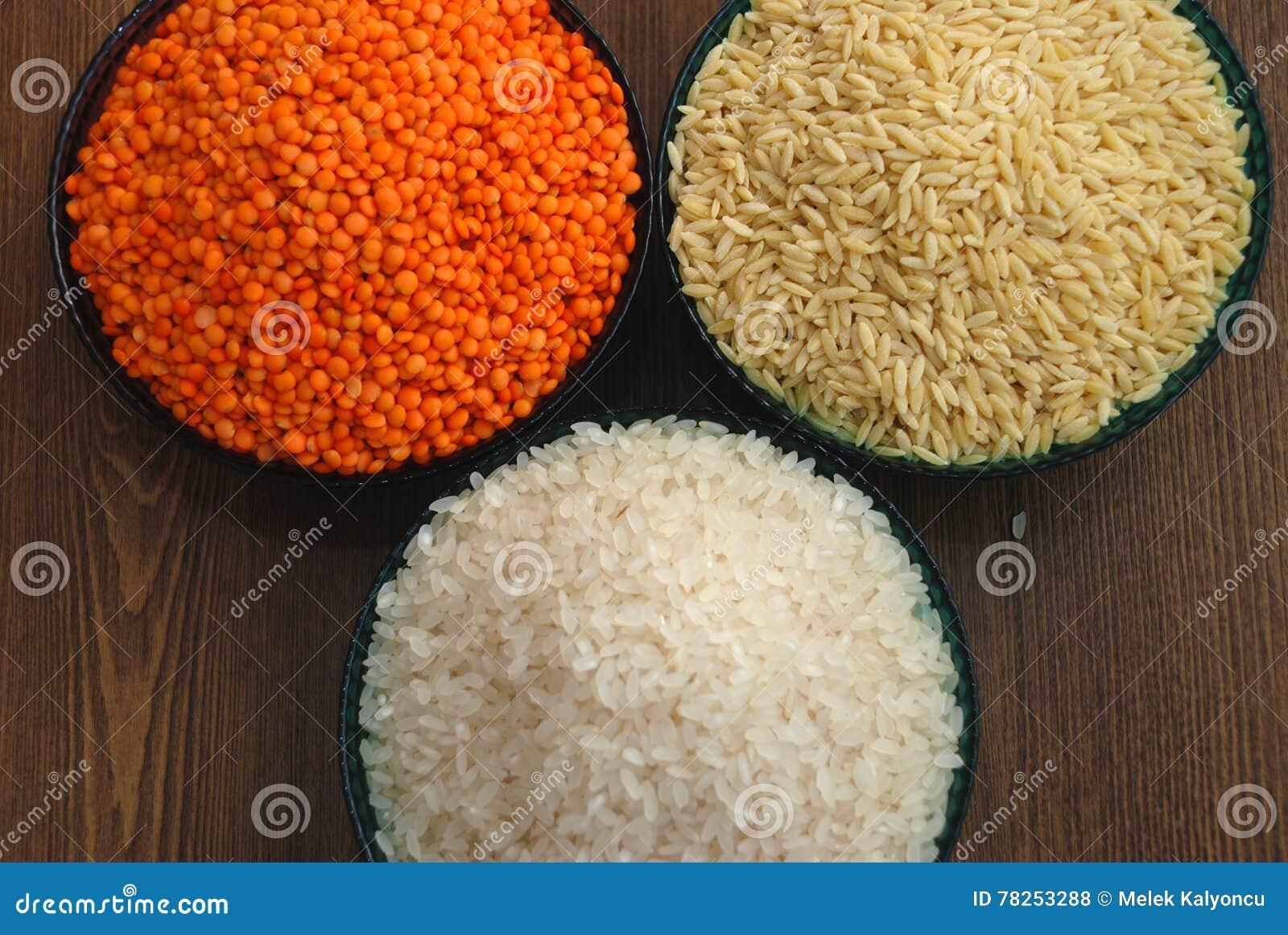 Δημητριακά και όσπρια Ρύζι, φακές, και νουντλς κριθαριού