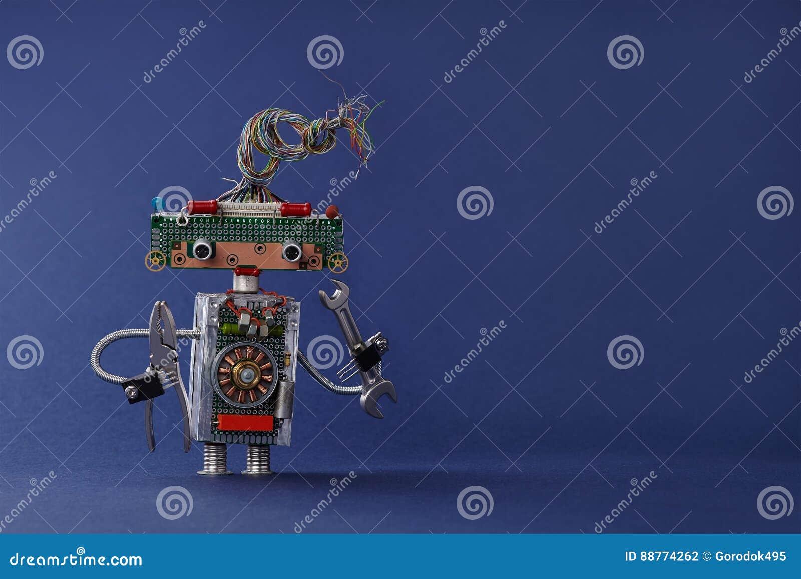 Δημιουργικός ηλεκτρολόγος παιχνιδιών σχεδίου με τις πένσες κλειδιών γαλλικών κλειδιών χεριών Ζωηρόχρωμο ρομπότ με τα ηλεκτρικά κα