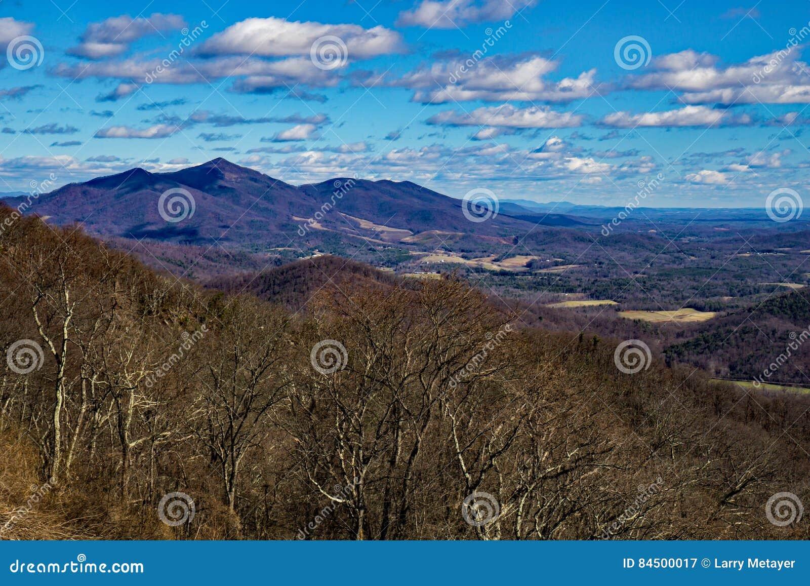 Διάβολοι χώρος στάθμευσης κορυφογραμμών σπονδυλικών στηλών †«μπλε, Βιρτζίνια, ΗΠΑ