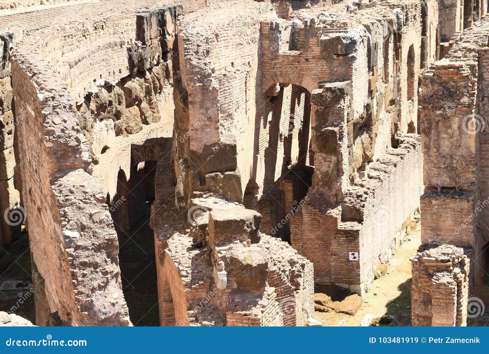 Διάδρομοι του τεχνικού υποβάθρου Colosseum