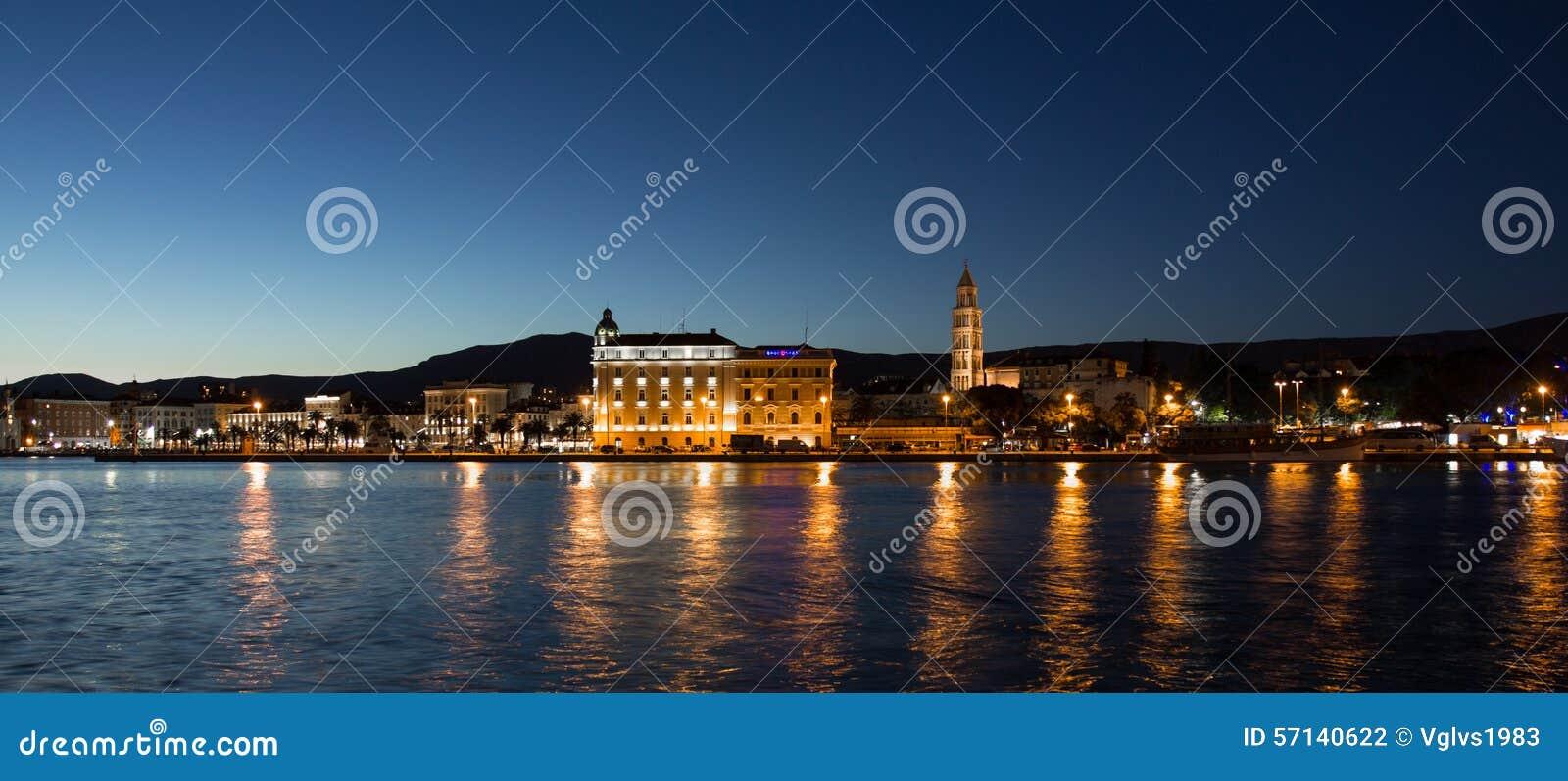 Διάσπαση, πανοραμική άποψη νύχτας της Κροατίας