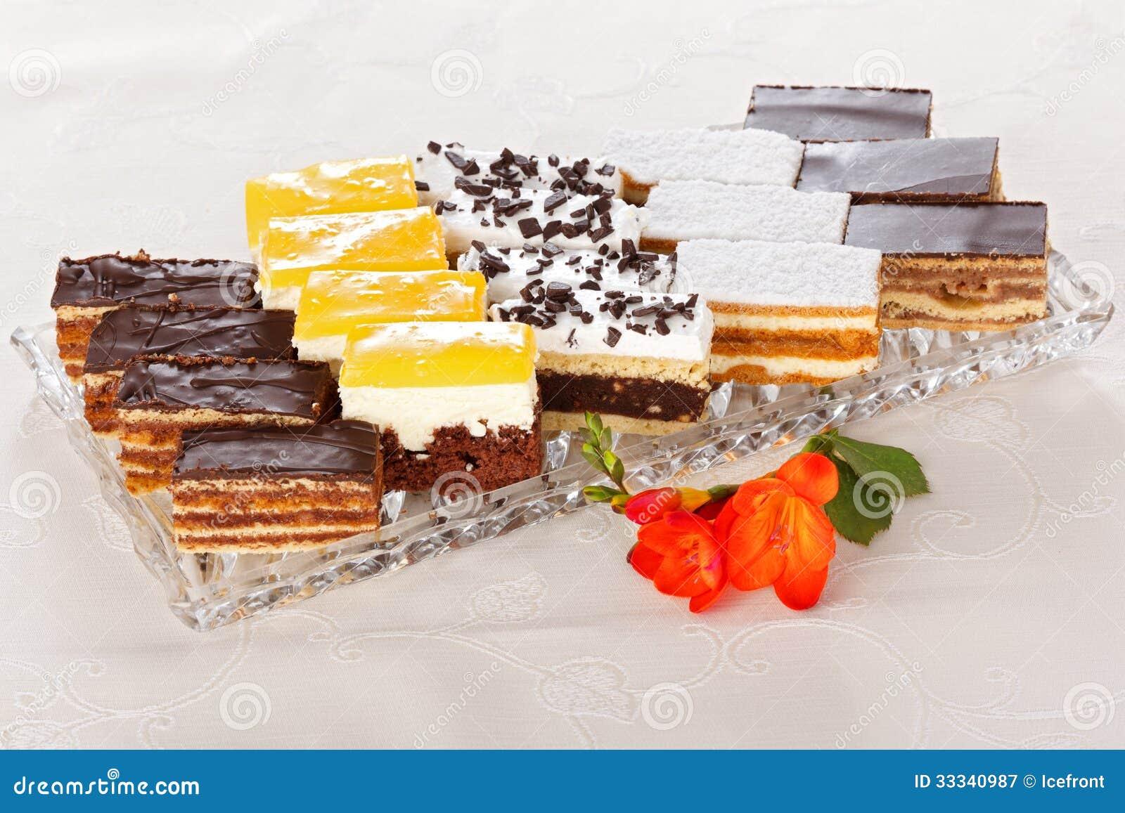 Διάφορα γλυκά κέικ
