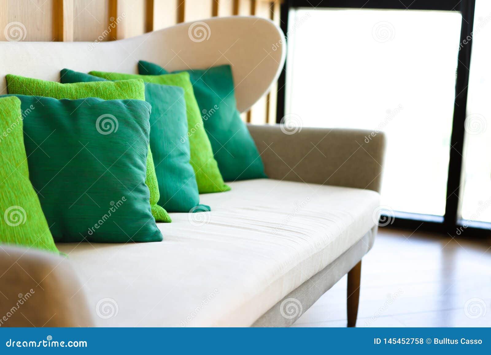 Διακοσμήστε σύγχρονο στο καθιστικό στο σπίτι