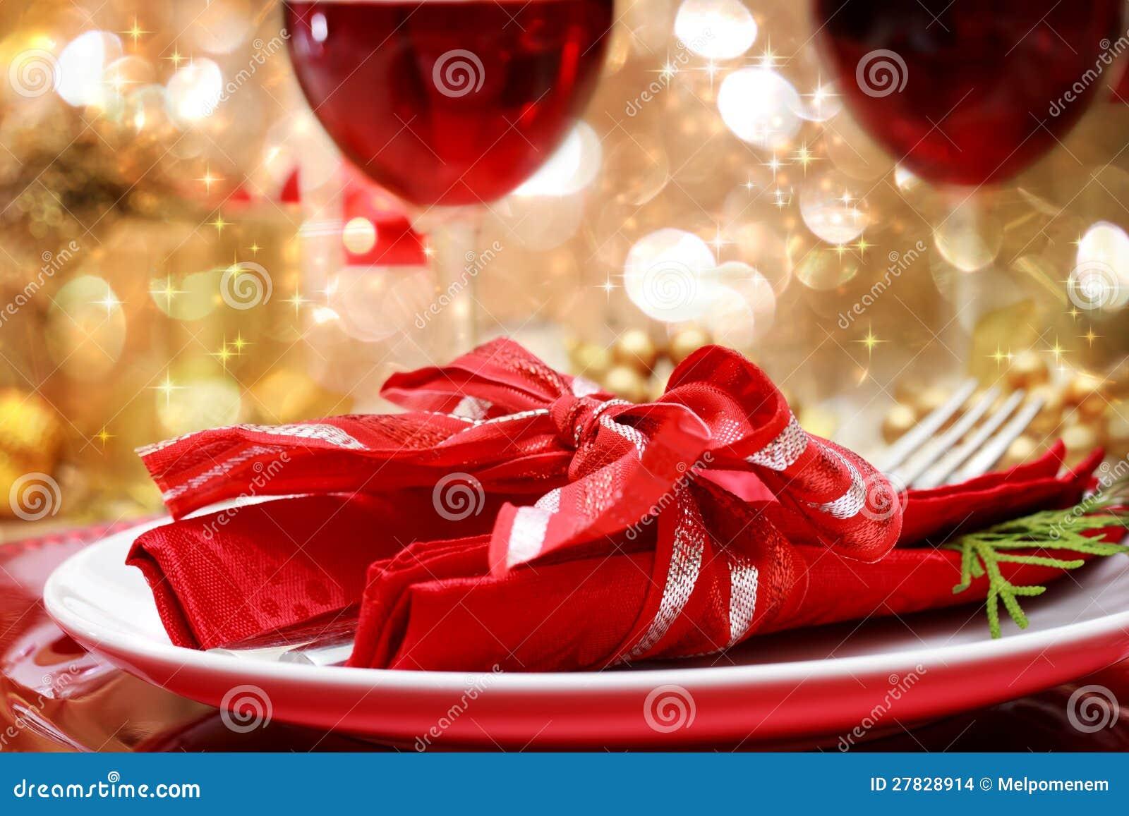 Διακοσμημένος πίνακας γευμάτων Χριστουγέννων