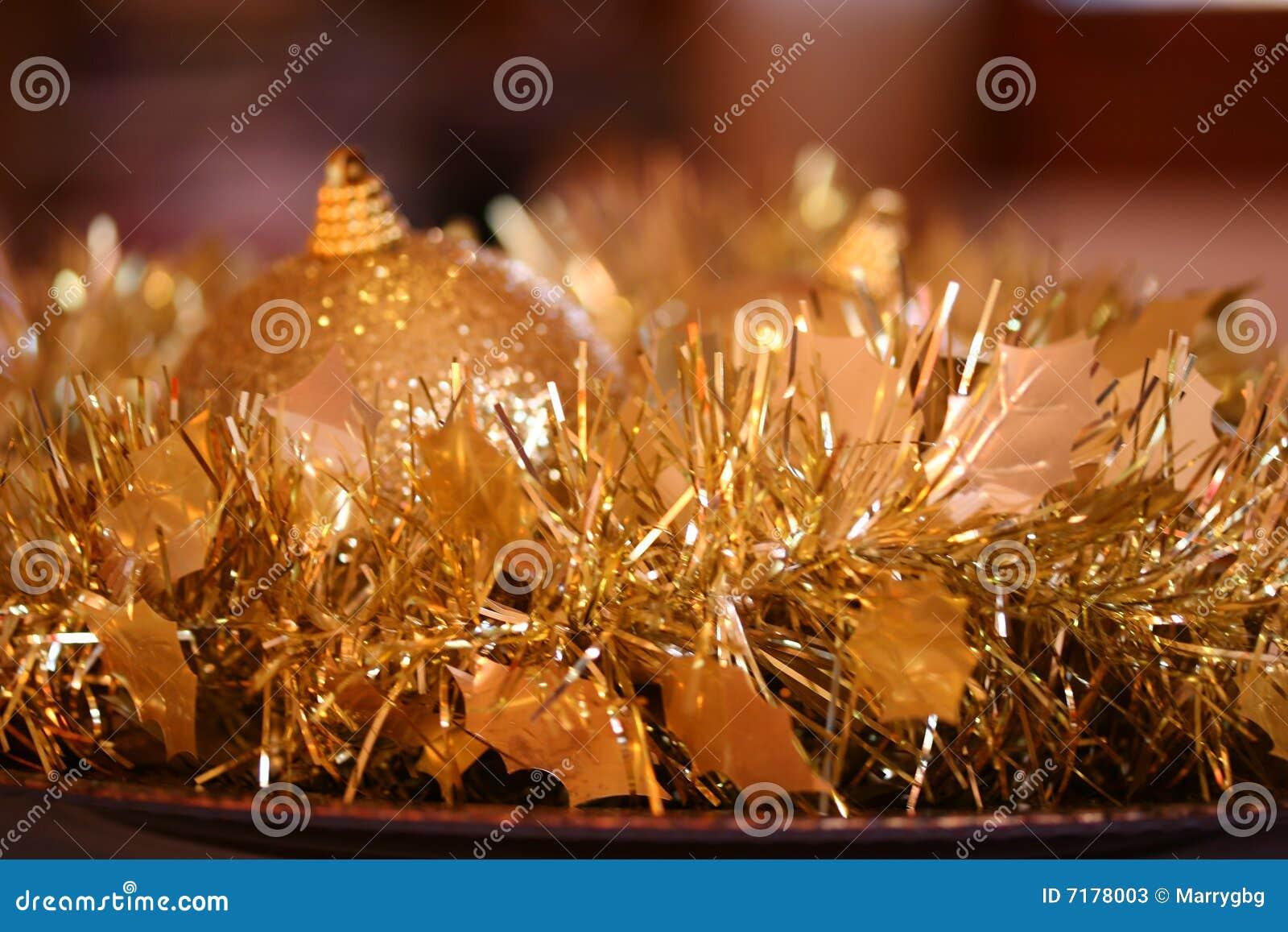 διακόσμηση Χριστουγέννων χρυσή