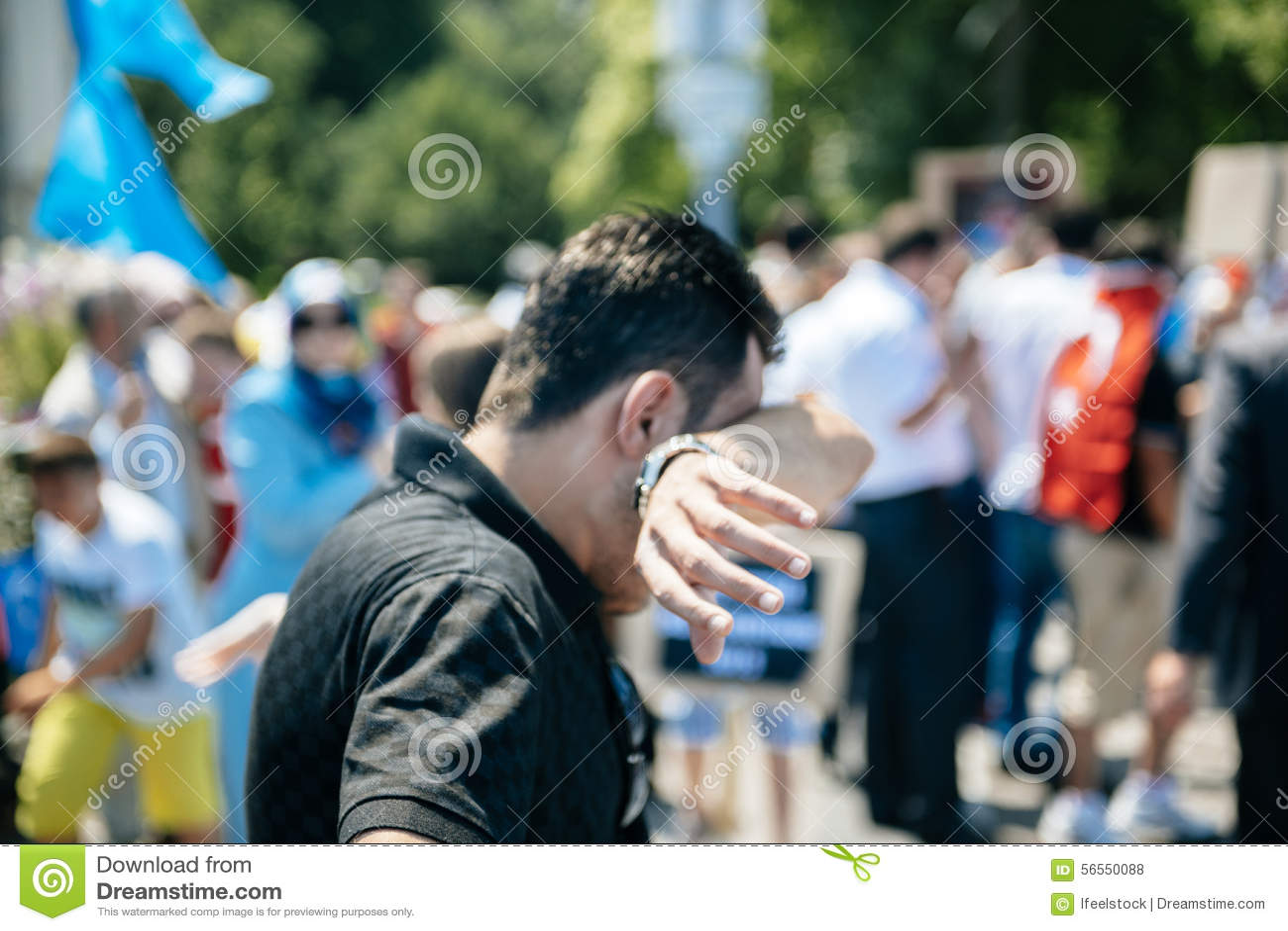 Download Διαμαρτυρία ενεργών στελεχών των ανθρώπινων δικαιωμάτων Uyghur Εκδοτική Στοκ Εικόνες - εικόνα από γλώσσα, δύναμη: 56550088