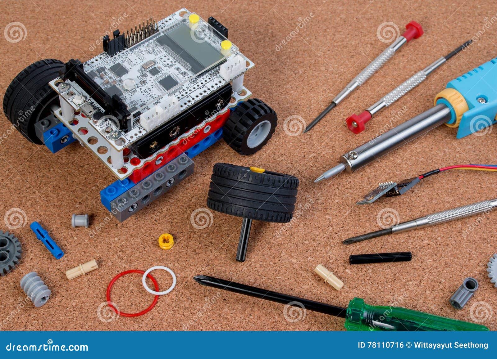 Διανοητική εξάρτηση συνελεύσεων παιχνιδιών ρομπότ ανάπτυξης DIY