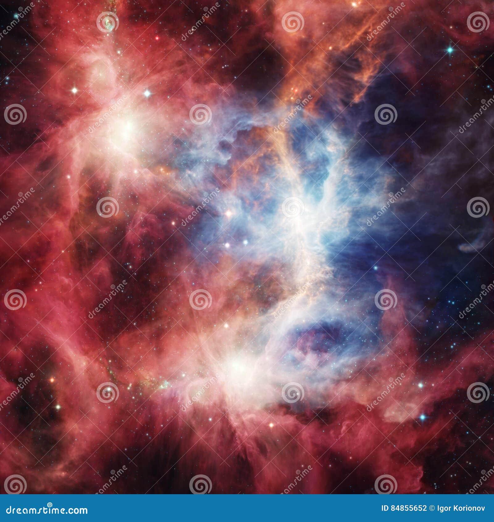 Διαστημικό νεφέλωμα με τα φωτεινά αστέρια και τα σύννεφα