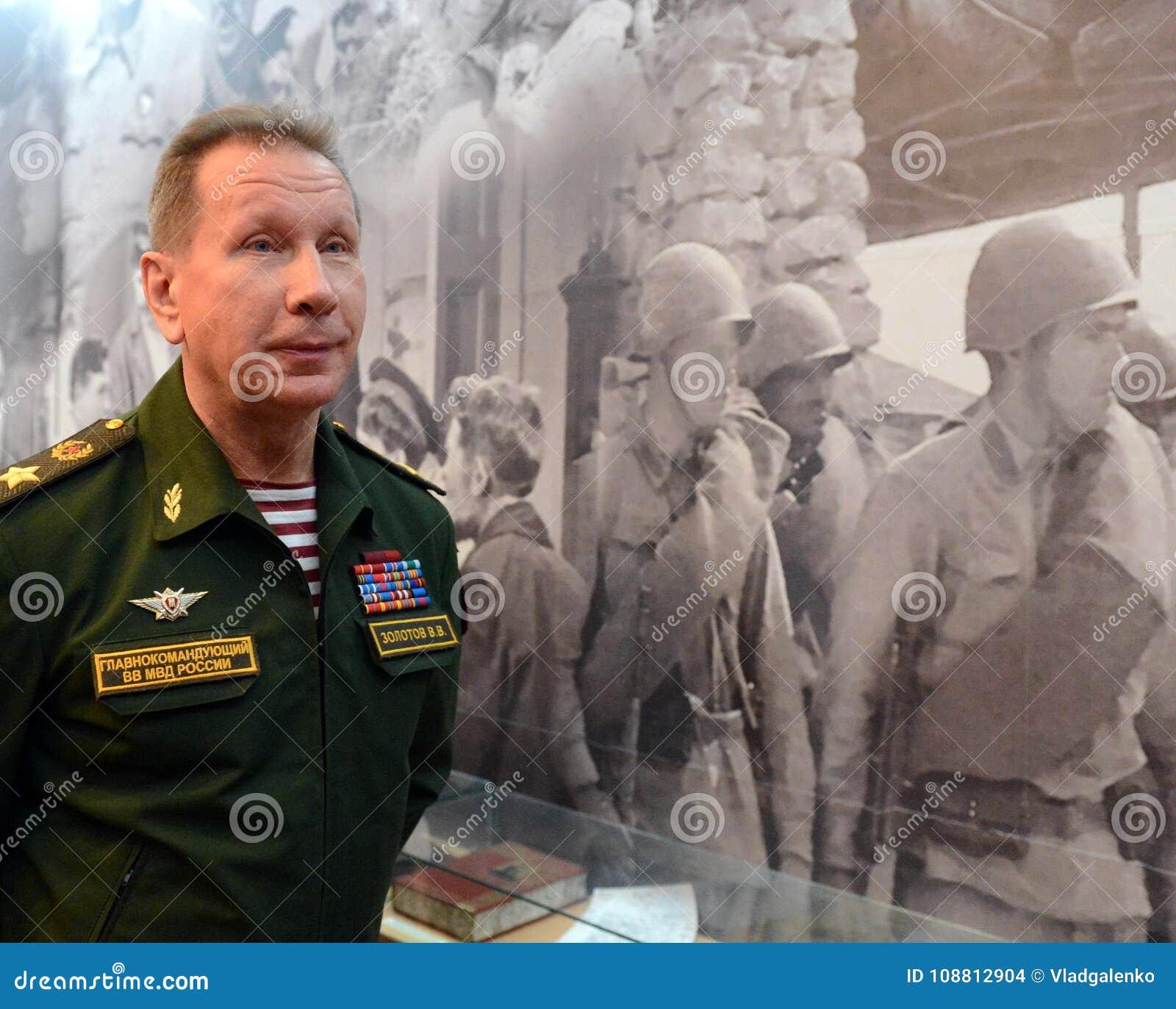Διοικητής - μέσα - προϊστάμενος των εσωτερικών στρατευμάτων του Υπουργείου εσωτερικών θεμάτων της Ρωσίας, γενικών του στρατού Βίκ
