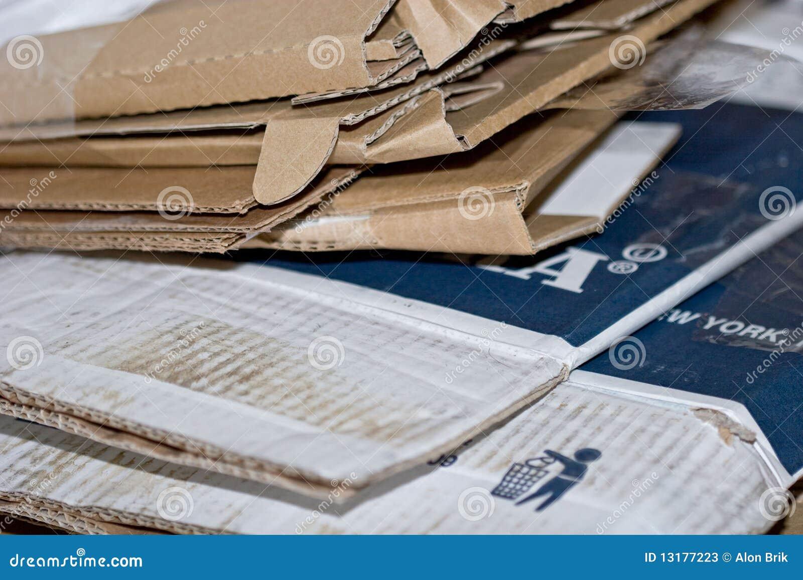 διπλωμένο χαρτόνι υλικό κι